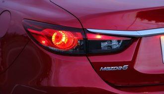 Nguyên nhân tình trạng đèn phanh ô tô sáng liên tục
